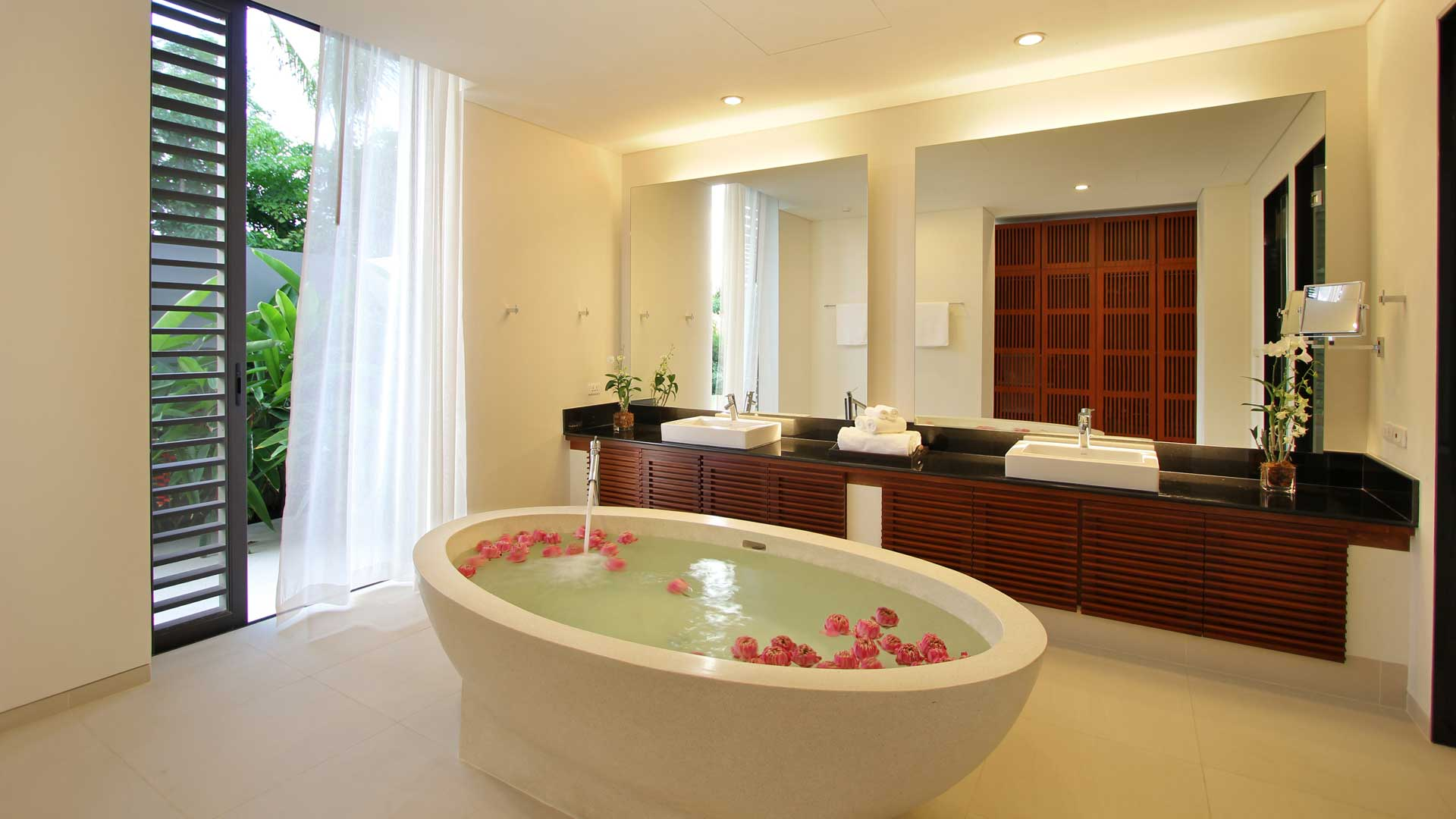 Bathroom decorating ideas for a good look for Bedroom and bathroom